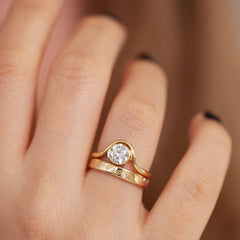 Wavy Round Diamond Engagement Ring Set - One Carat Diamond Front Shot Detail Shot