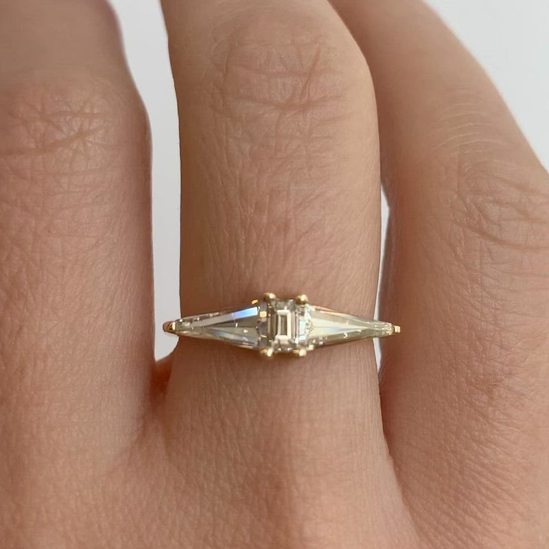 GeometricEngagement-Ring-with-OOAK-Arrow-Diamonds-closeup