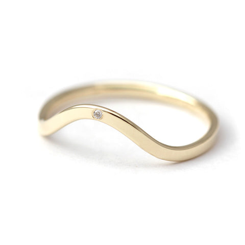 Single Diamond Curved Wedding Ring