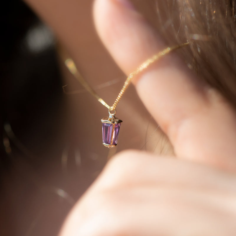 dainty-lilac-sapphire-lantern-pendant-in-solid-gold-side-shot