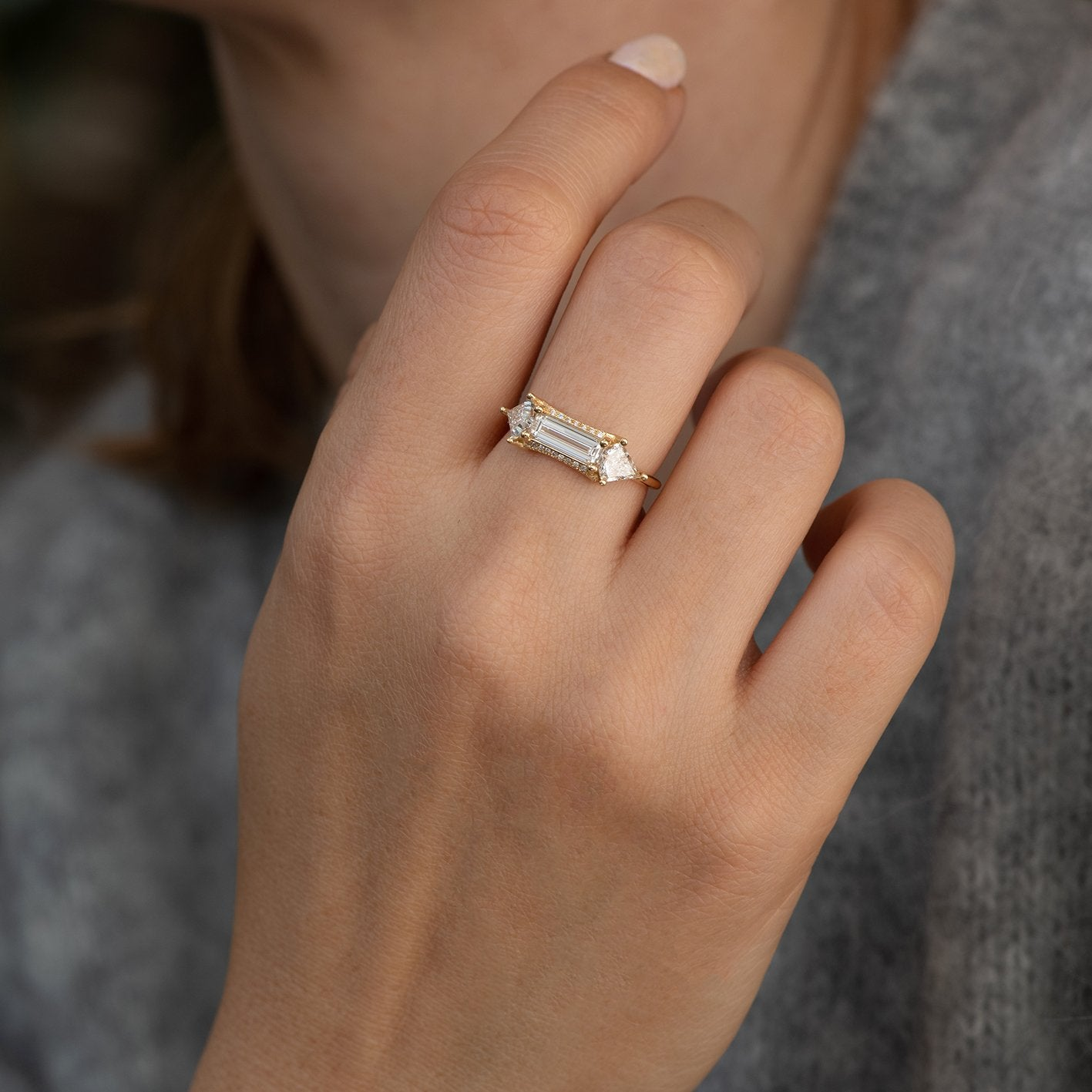 Baguette cut engagement  ring with kite diamonds3