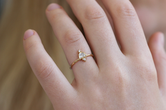 Delicate Cluster Ring