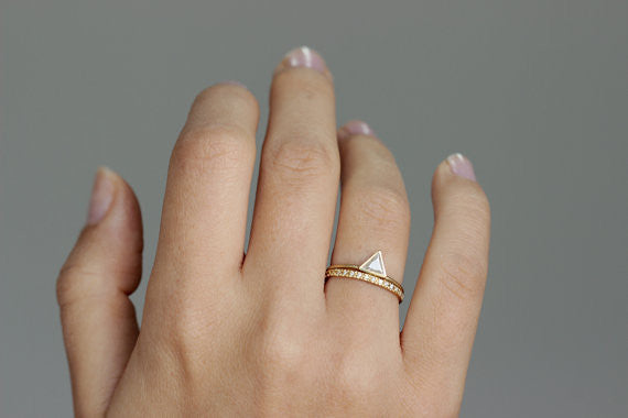 triangle wedding ring set