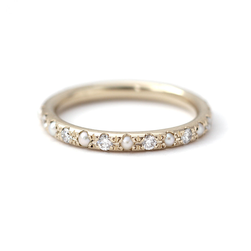 Eternity Ring with Diamonds and Pearls