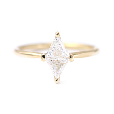 Diamond rhombus ring