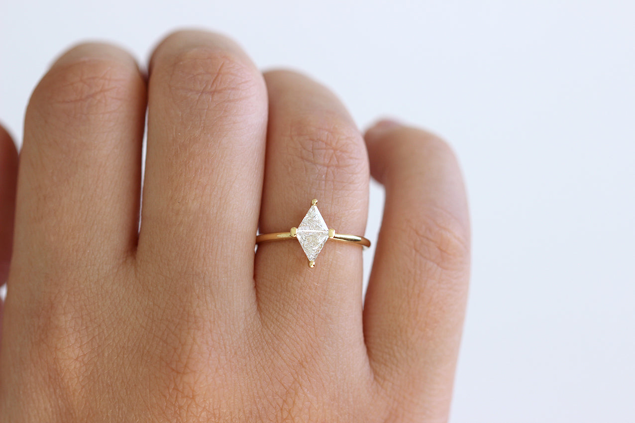 diamond rhombus engagement ring