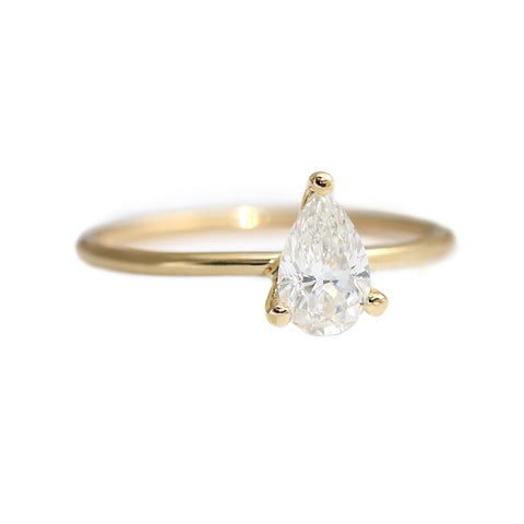 Pear Diamond Engagement Ring in Prong Setting