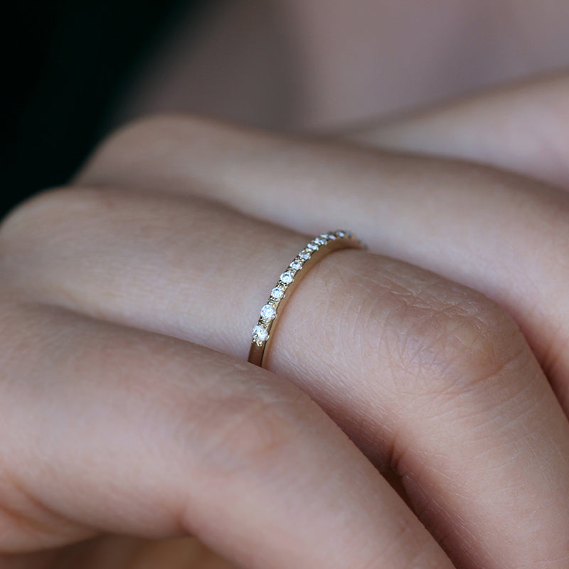 Micro Pave de Diamants Bande - Tiny Paver Diamant Bague de Doigt