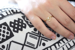 Geometrical wedding ring set