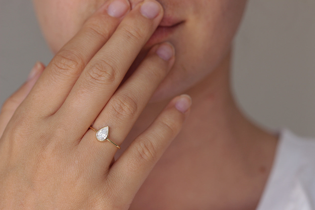 High Quality Pear Diamond Engagement Ring With High Quality Diamond Photo