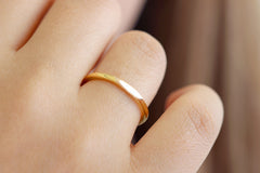 round profile wedding band