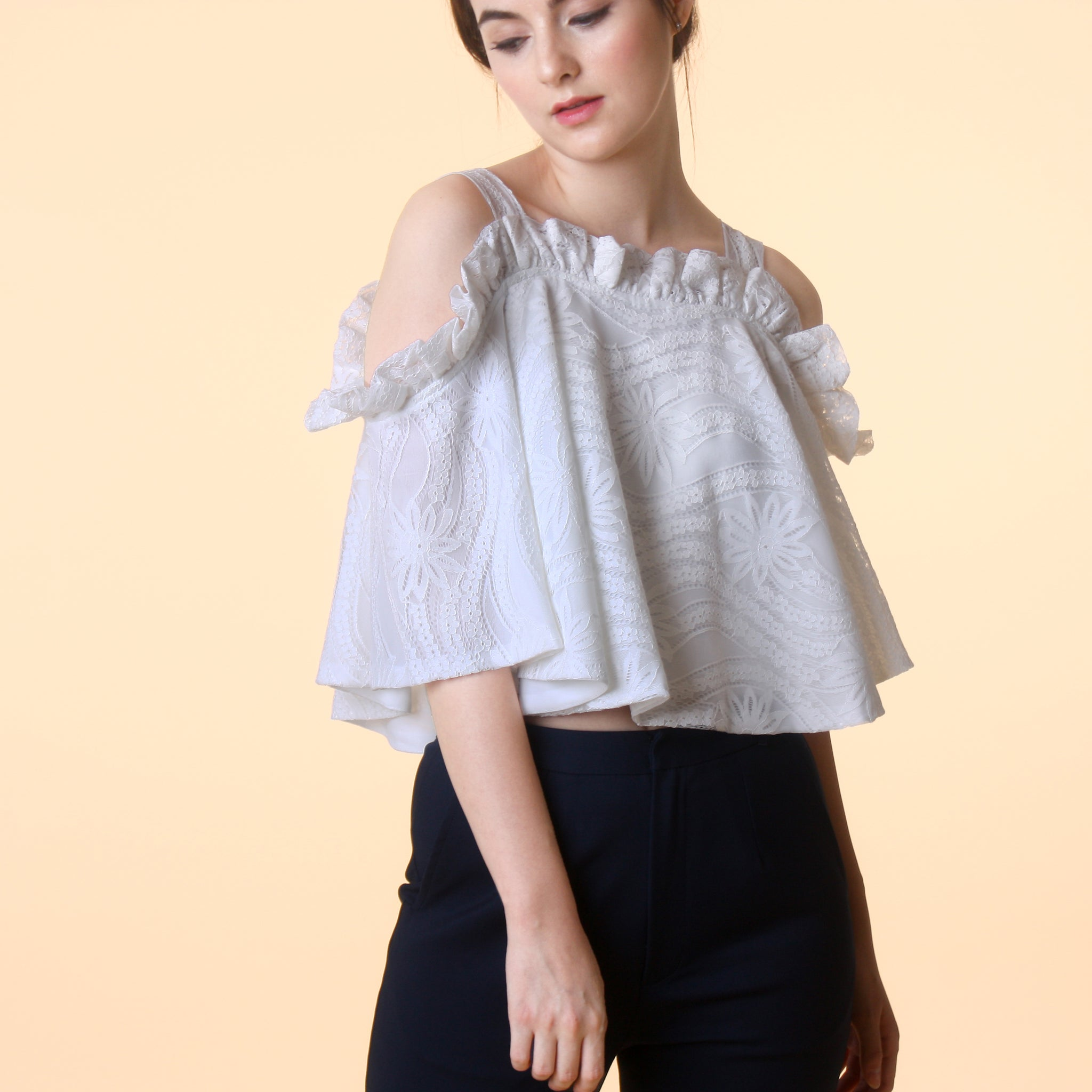 RUFFLED LACE CROP TOP <BR> WHITE