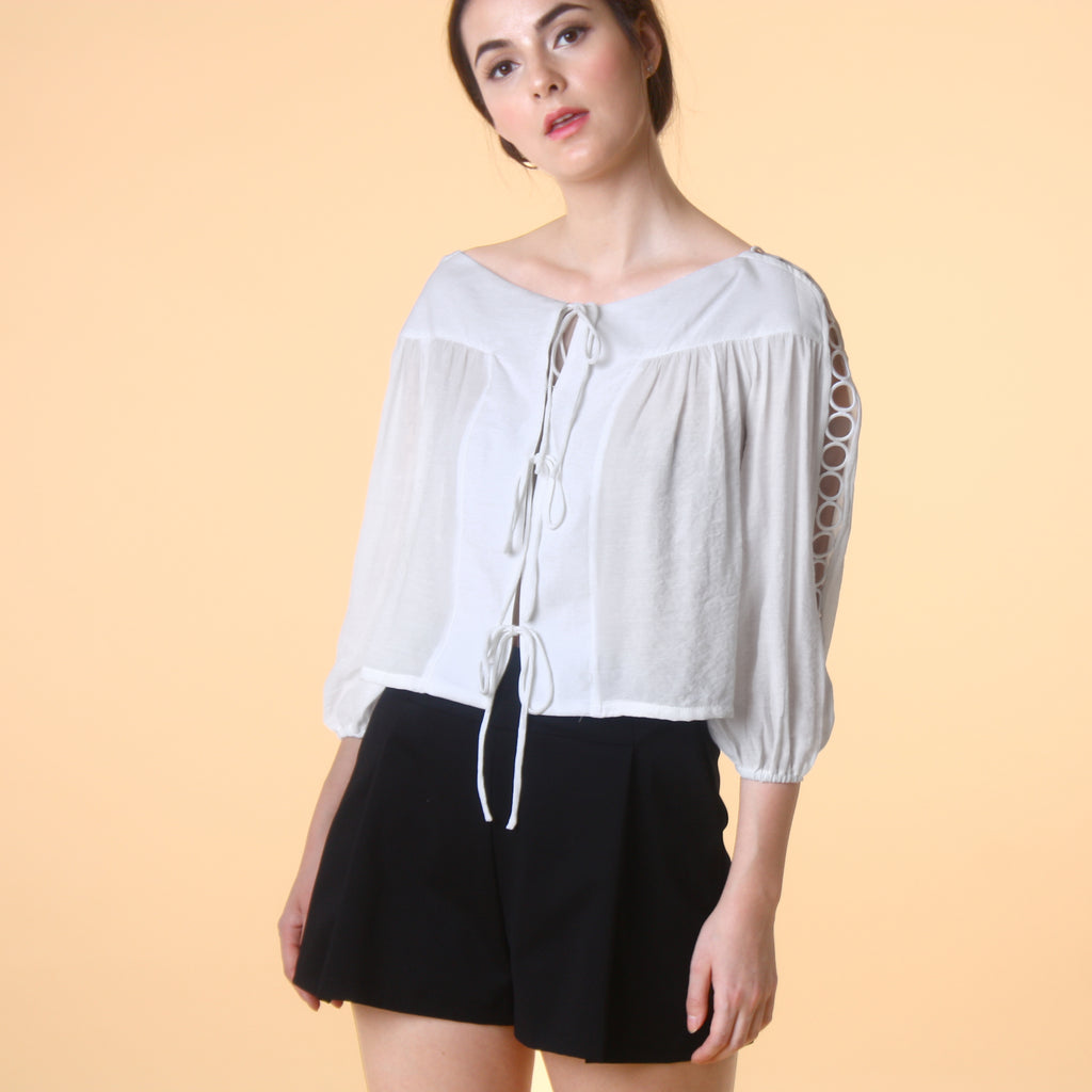 RIBBON TIE CROP BLOUSE <BR> WHITE