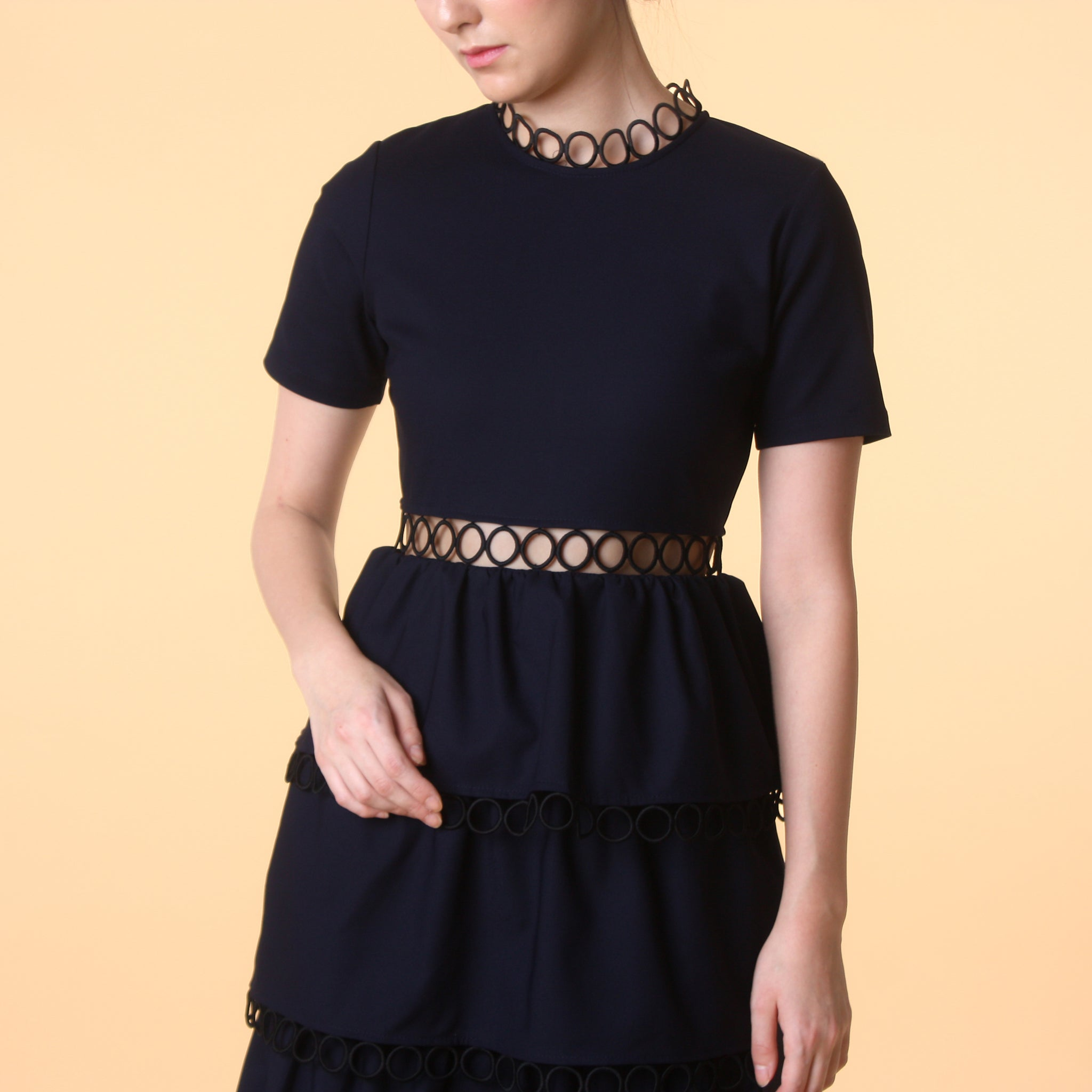 SHORT SLEEVE TIERED MIDI DRESS <BR> NAVY