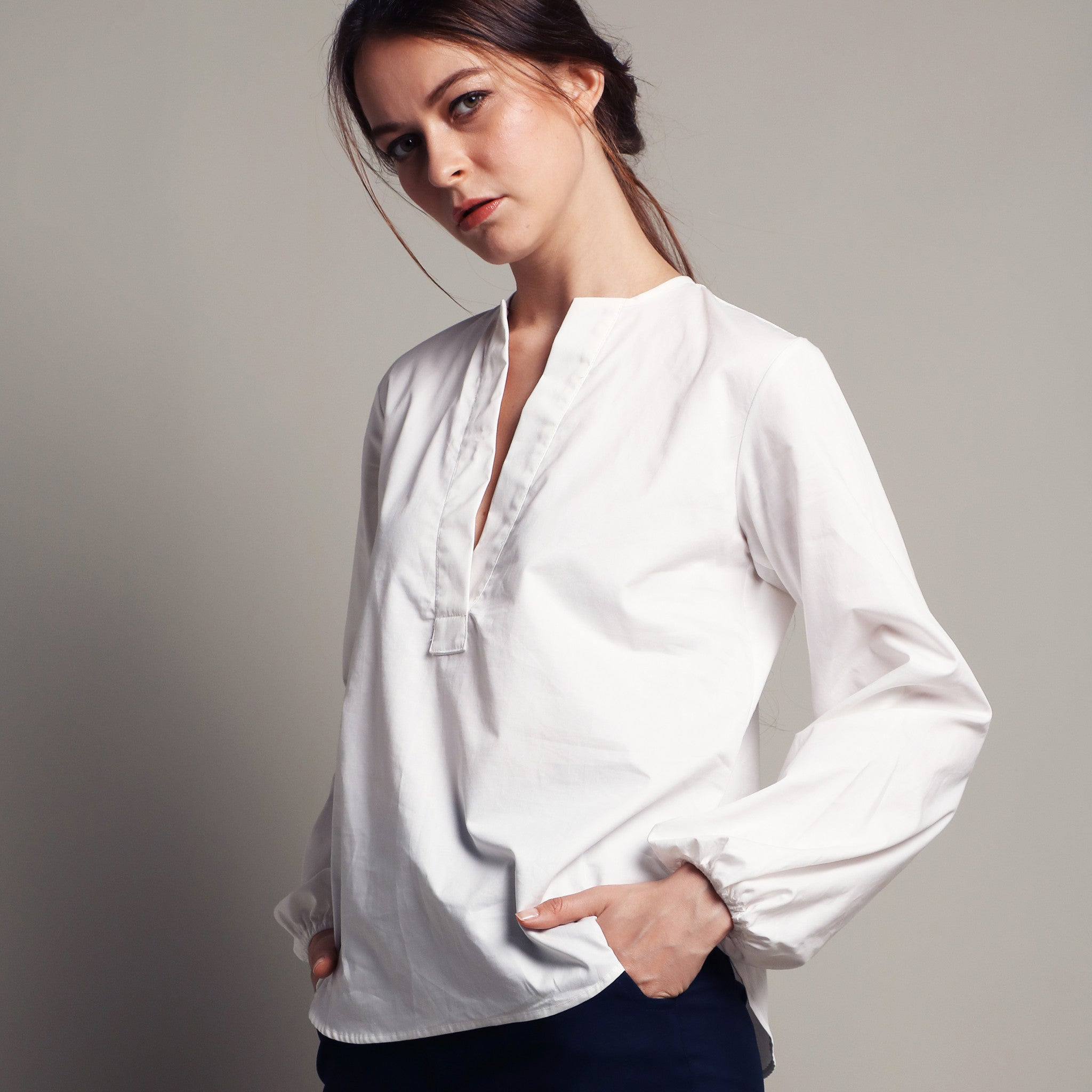 PUFFED SLEEVE V-NECK BLOUSE <BR> WHITE