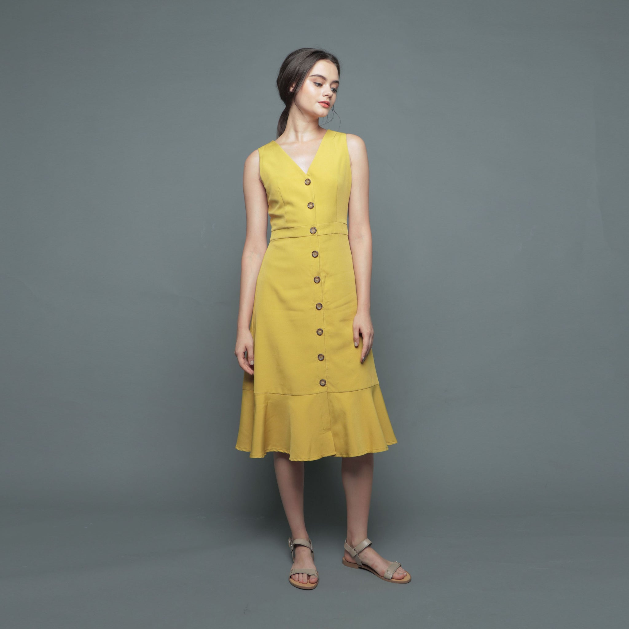 V-NECK BUTTON DRESS <BR> MUSTARD