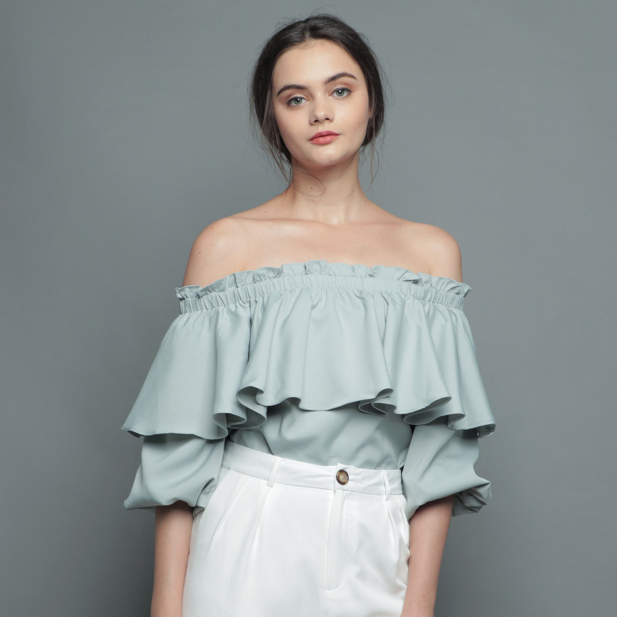PUFFED SLEEVE OFF-SHOULDER TOP <BR> GREEN