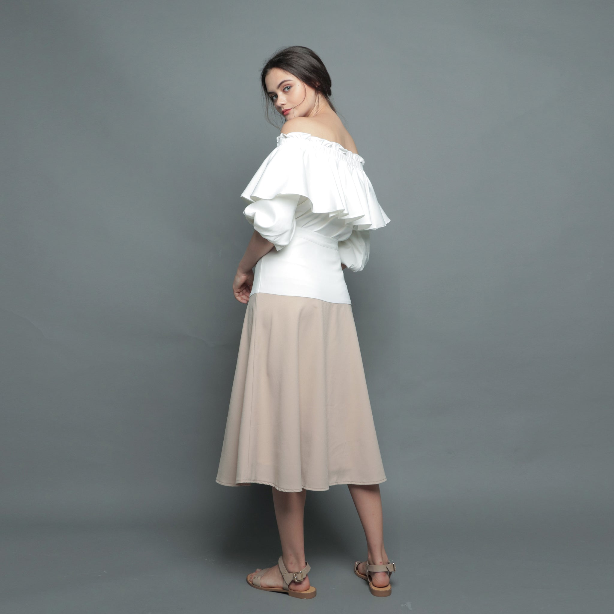 PUFFED SLEEVE OFF-SHOULDER TOP <BR> WHITE