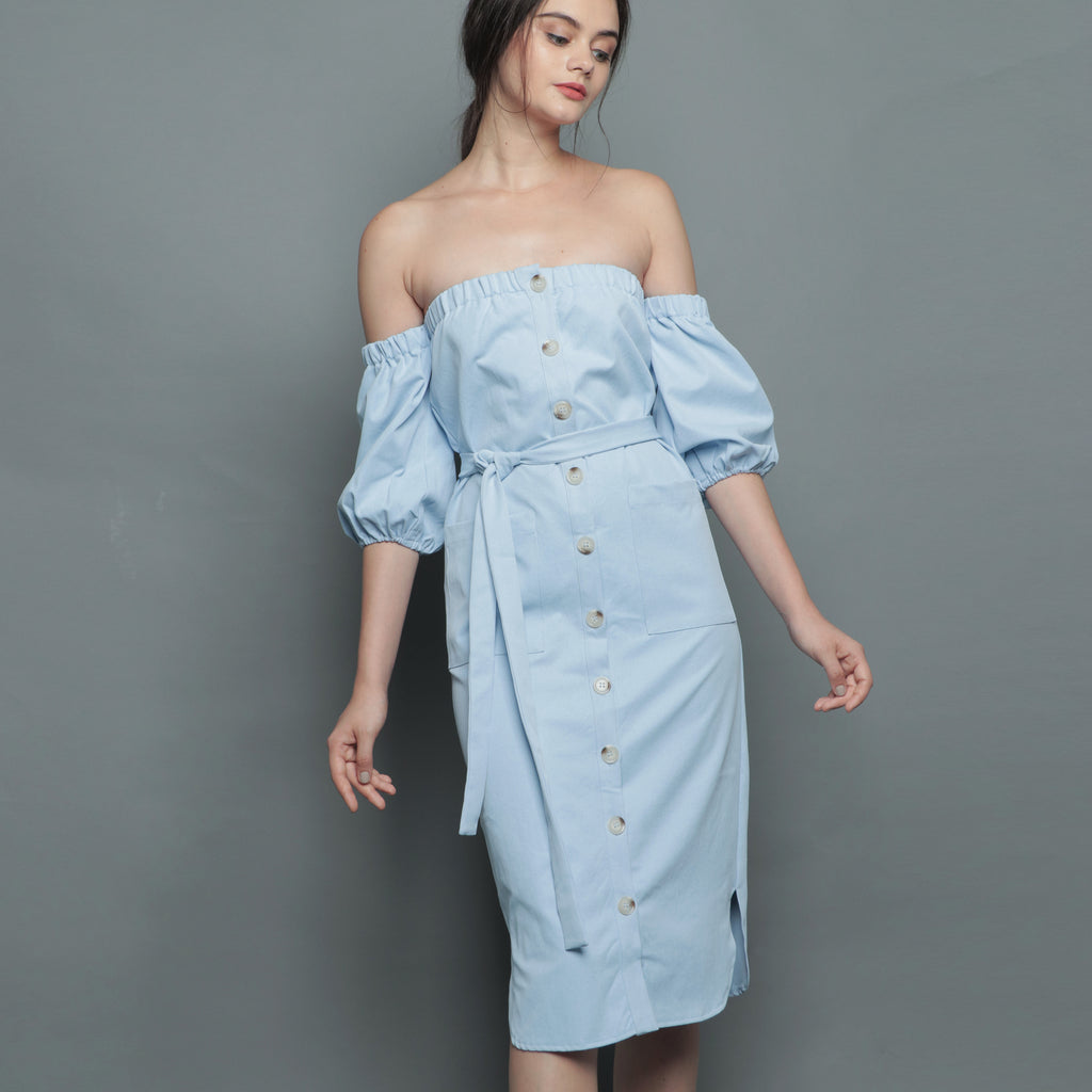 OFF-SHOULDER BUTTON MIDI DRESS <BR> BLUE
