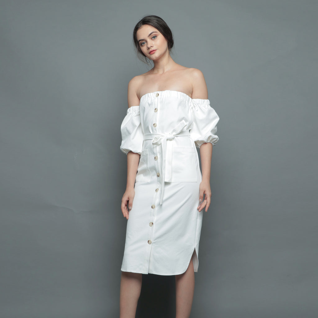OFF-SHOULDER BUTTON MIDI DRESS <BR> WHITE