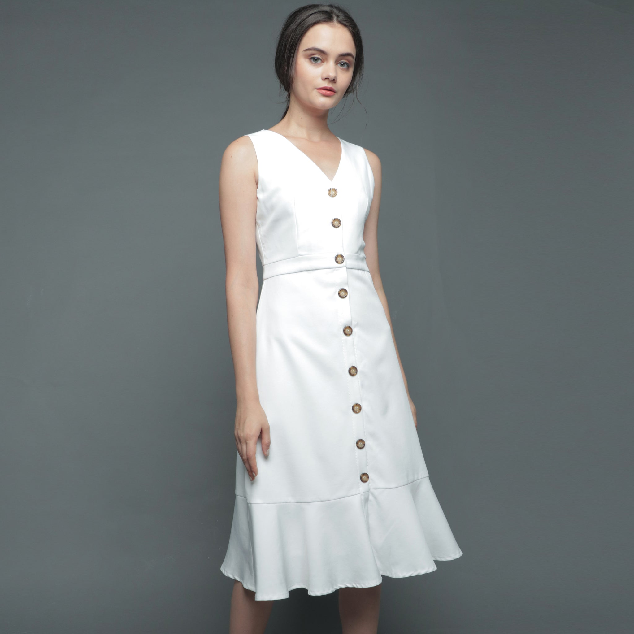 V-NECK BUTTON DRESS <BR> WHITE