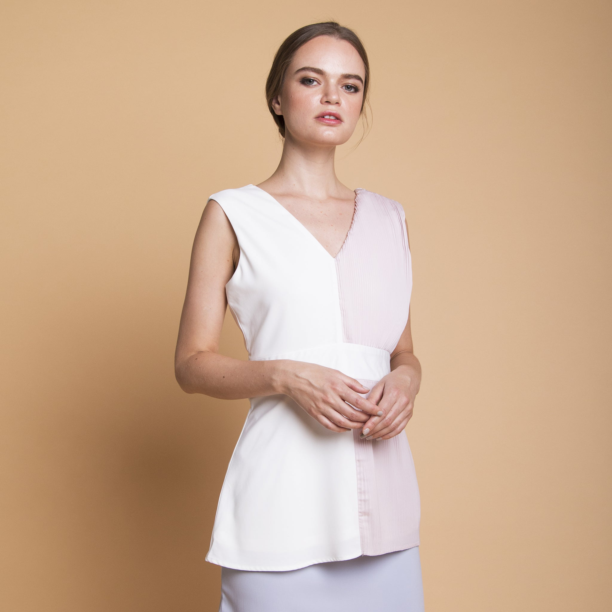 HALF PLEATED COLOURBLOCK TOP <BR> WHITE