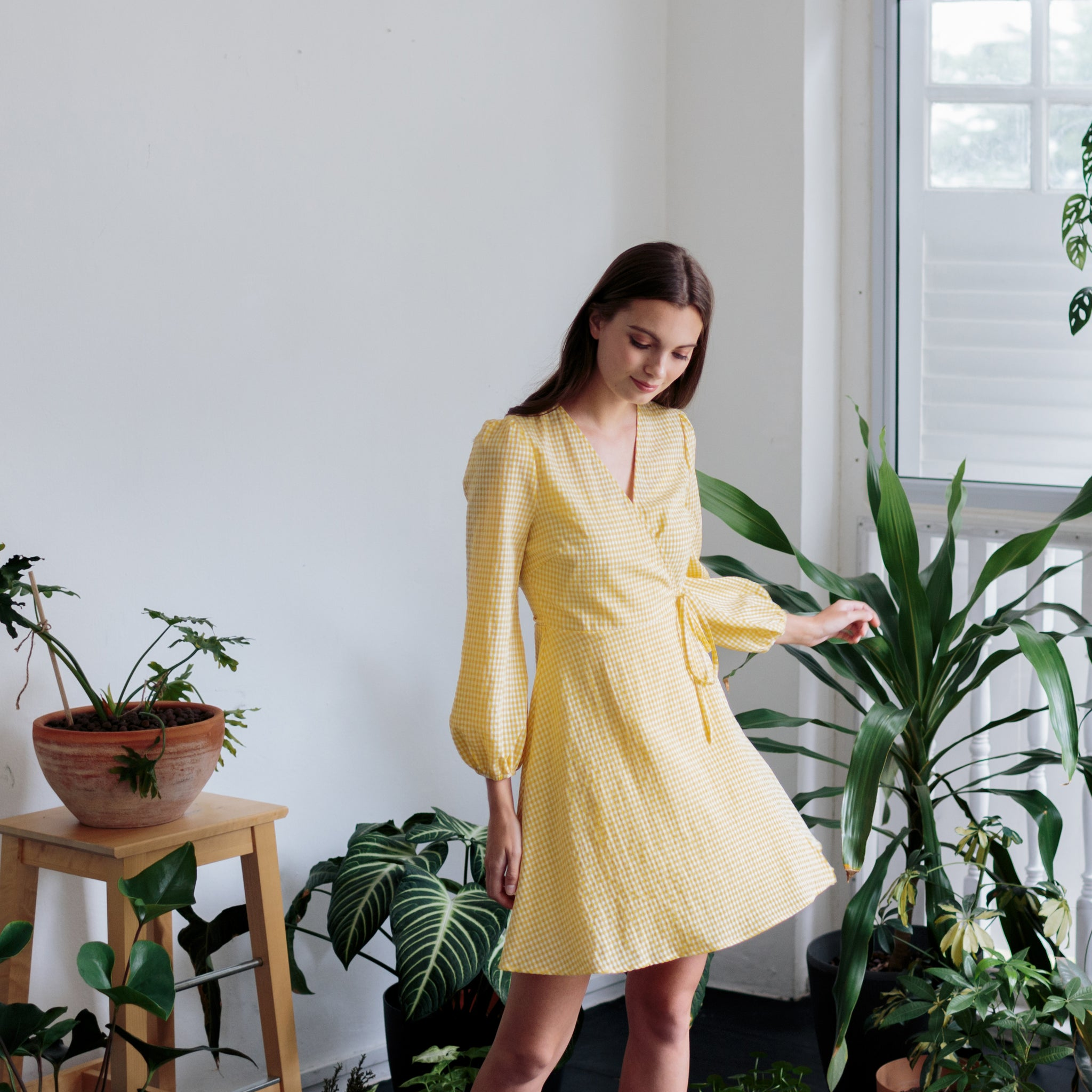 LONG SLEEVES WRAP DRESS <BR> YELLOW