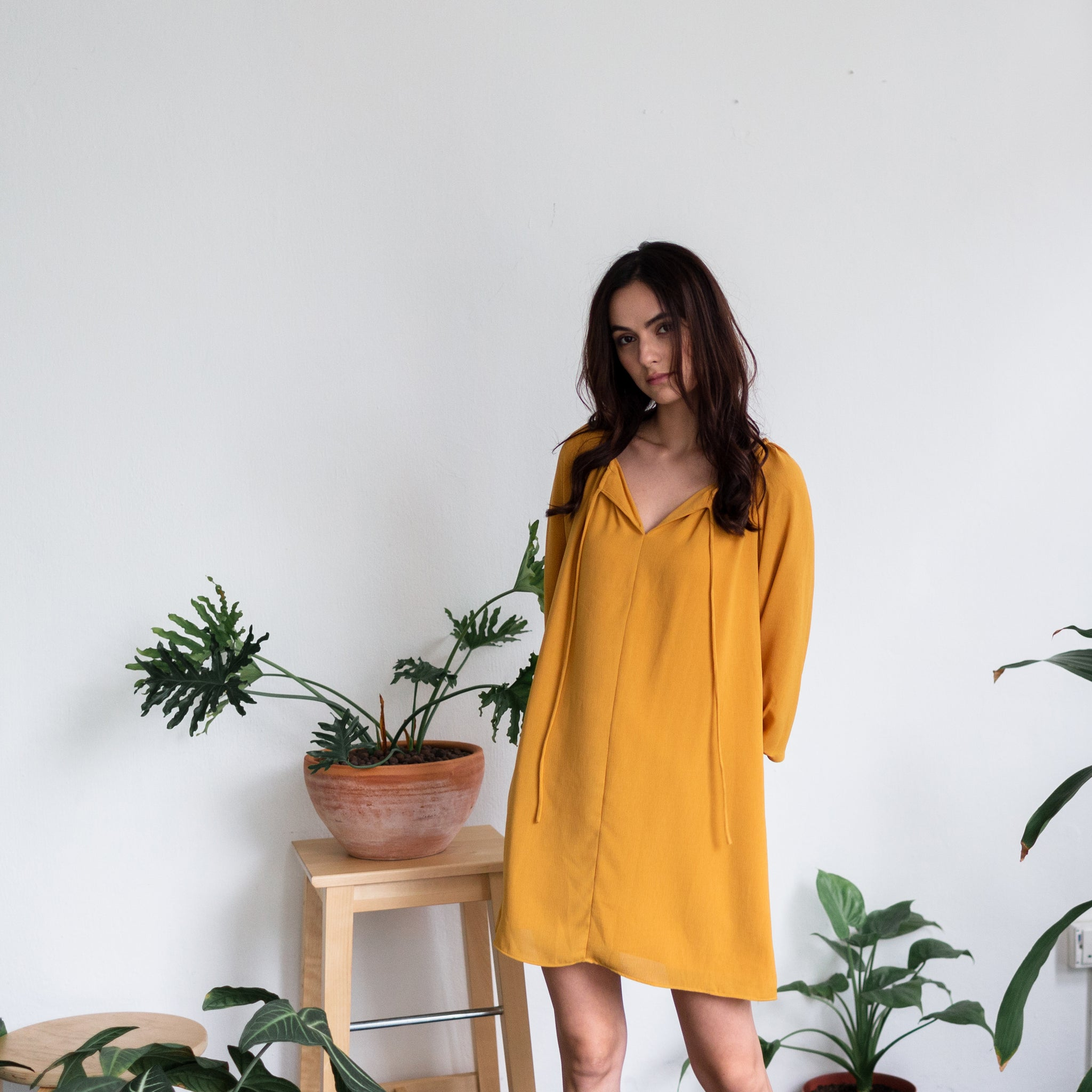 3/4 PUFFED SLEEVE MINI DRESS <BR> MUSTARD