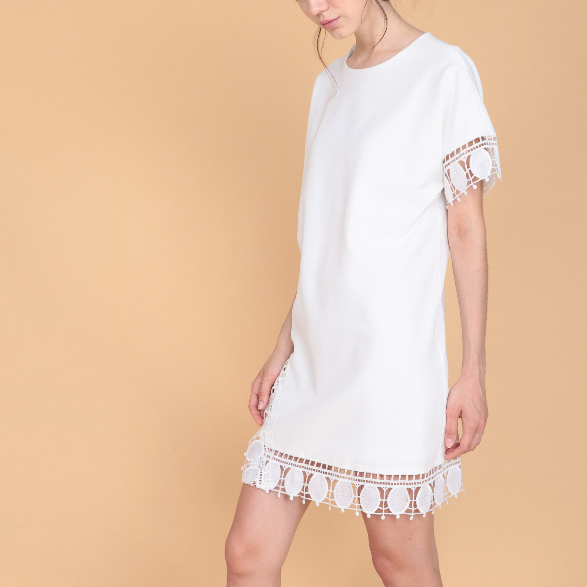 CROCHET TRIM SHIFT DRESS