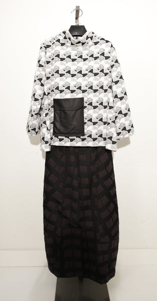 MOONIGHT BLACK WHITE POCKETS TOP 2876