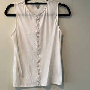 White sleeveless top by Lysse Size M