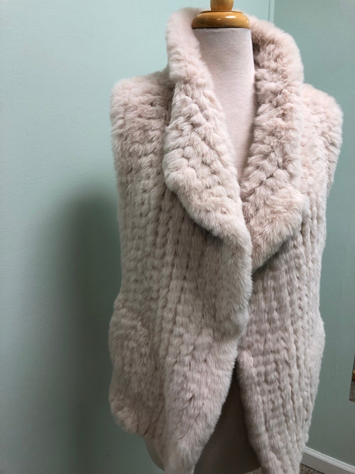 Love Token faux fur vest Almond M, L