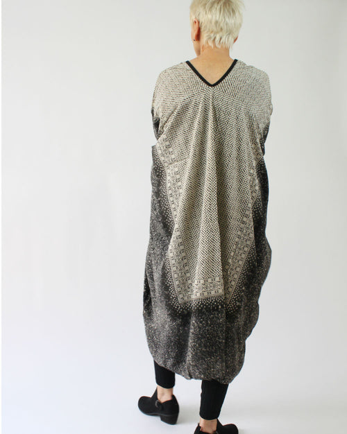 V Neck Ancient Maxi O/S