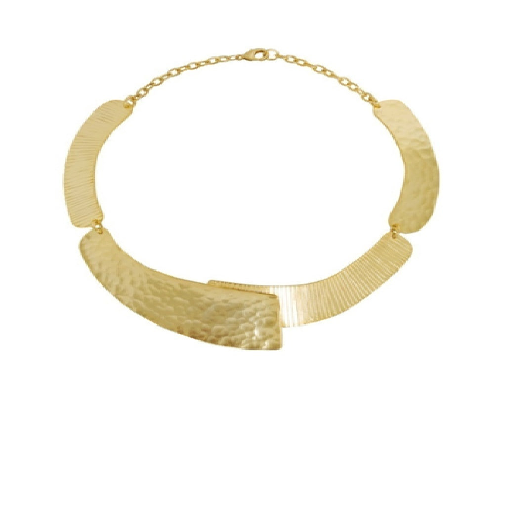 Karine Sultan overlap collar in antique goldtone - N64067.3