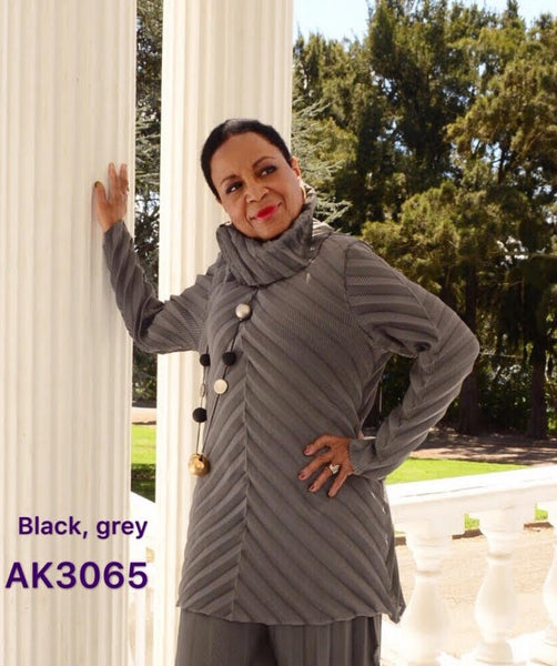 VANITE COUTURE PLEATED TURTLE NECK TUNIC TOP AK3065