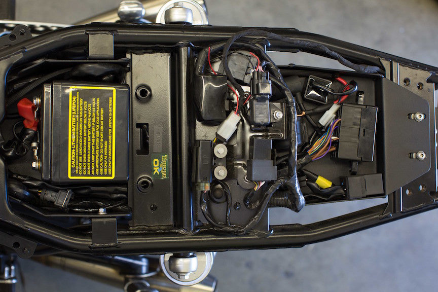 Triumph_lay_down_battery_box_top_1024x1024 Motogadget M Unit Wiring Diagram On on