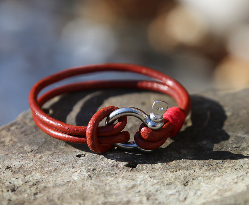 Ladies Red Leather Shackle Bracelet