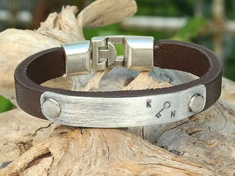 Leather Bracelet with Personalized Aluminum Plate and Interlocking Clasp