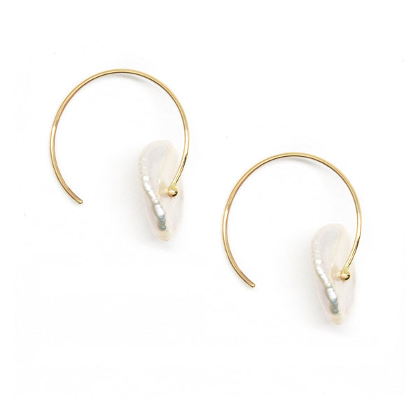 Petal Pearl Circle Earrings