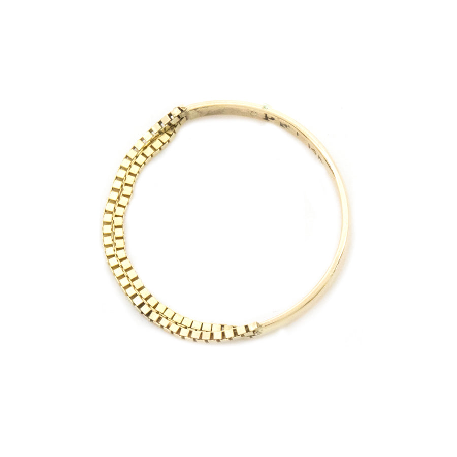 Contrast Box Chain Gold Band Ring
