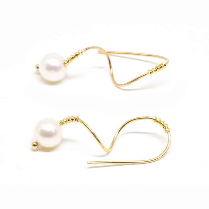 Gold Wave Pearl Earrings