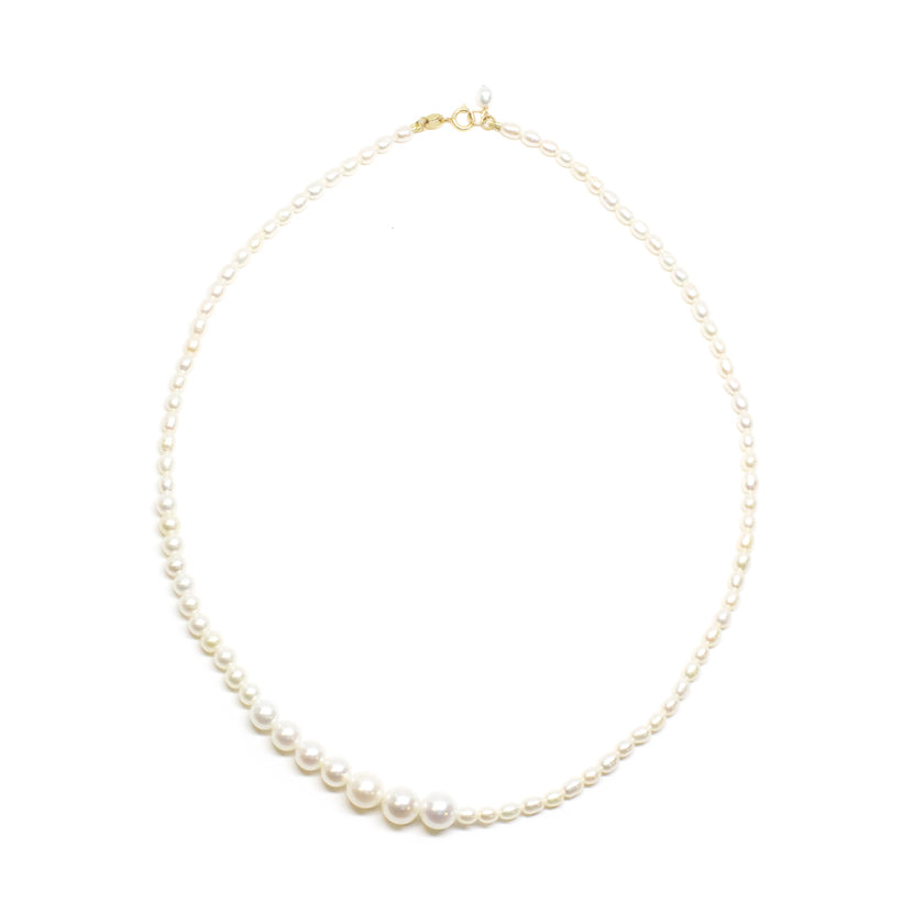 Gradual Pearl Necklace