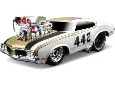Maisto Muscle Machine Oldsmobile 442 '70 1:24 - Wild Willy
