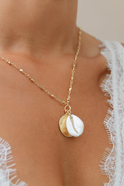 Cleo Single Shell Necklace