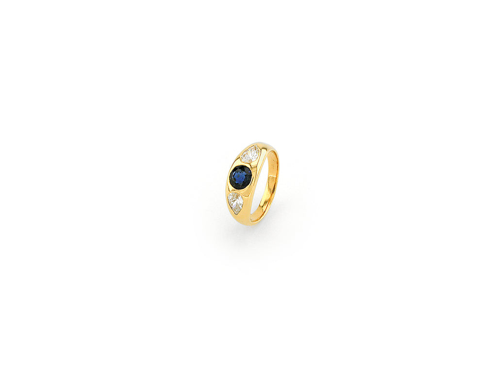 Ring with Sapphire & Diamond