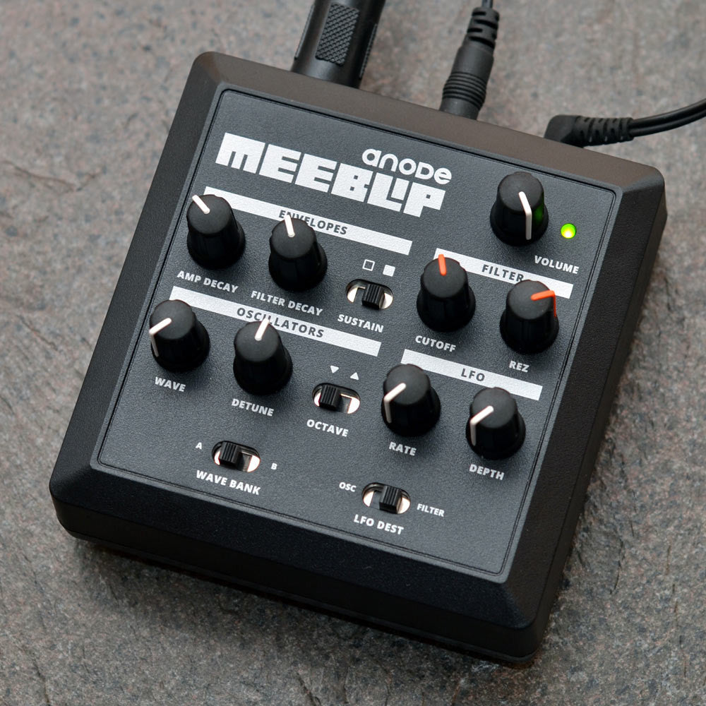 MeeBlip anode synthesizer