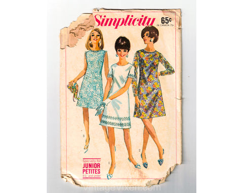 1967 Dress Sewing Pattern - 60s Junior Petite Mini Dress - Sleeveless & Sleeved - Complete Bust 32 Simplicity 7105 1960s Dollybird Baby Doll
