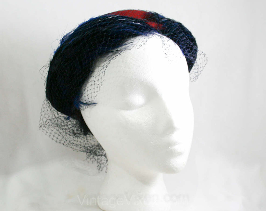 1940s Hat - Scarlet Red Felt - Sapphire Blue Feathers - Veiling - Elegant - Dramatic 41312