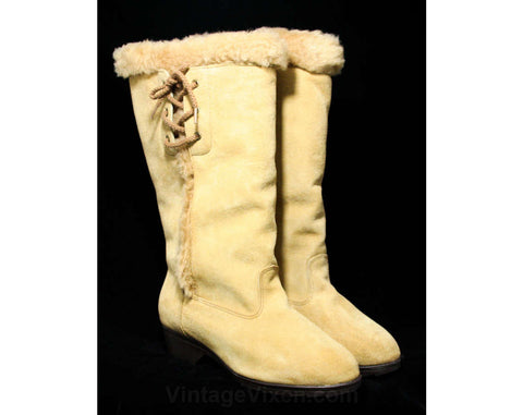 Size 7 W Taupe Suede Boots - Hippie 1960s Deadstock - Light Tan Beige Leather - Lace Up Sides - Fall Winter Shoes - Cozy Faux Fur Lining
