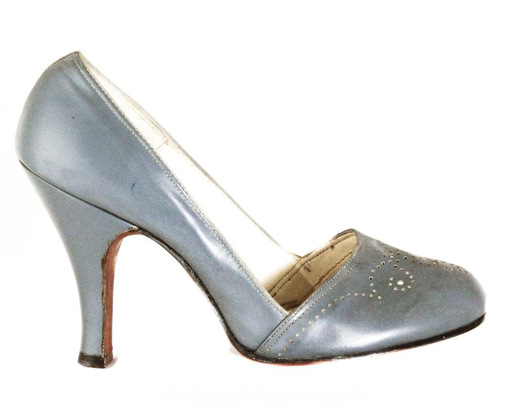 Size 5 1940s Gray Heels - Fog Leather Shoes with Spectator Style Broguing & Fleur De Lis - 5B Small Pumps - 40's 50's NOS Deadstock